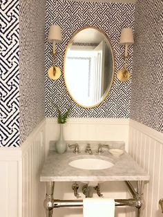 Classic Casual Home in 8 Timeless decorating TRENDS that I'm loving right now. Wallpaper in a small space like a powder room. Bathroom Wallpaper Geometric, Bathroom Wallpaper Trends, Powder Room Wallpaper, Bedroom Wallpaper, Laundry Room Wallpaper, Powder Room Decor, Powder Room Design, Powder Room Lighting, Hallway Lighting
