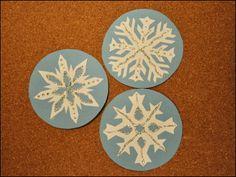 sněhové vločky k vystřižení Winter Art, Decorative Plates, Home Decor, Decoration Home, Room Decor, Home Interior Design, Home Decoration, Interior Design