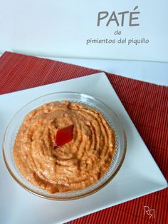 """Paté de pimientos del piquillo"" Vegetarian Recepies, Vegan Recipes, Appetizer Dips, Appetizer Recipes, Hummus, Yummy Food, Tasty, Happy Foods, Mini Foods"