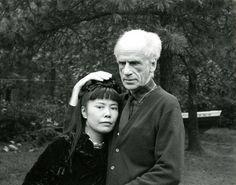 Yayoi Kusama with Joseph Cornell in New York (1970).