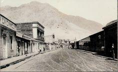 Chañaral, aquí una fotografía del año 1915, en un día normal, calle principal Merino Jarpa.