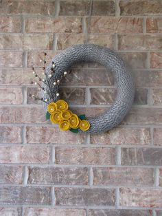 "Grey and Mustard Wreath With Berries   """"""""""FREE SHIPPING"""""""""" op Etsy, 31,92 €"