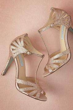 898da57a68ec chaussure dorée mariage, nuances bronzées, talons confortables hauts,  chaussure femme mariage, femme