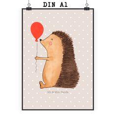 Poster DIN A1 Igel mit Luftballon aus Papier 160 Gramm  weiß - Das Original von Mr. & Mrs. Panda.  Jedes wunderschöne Motiv auf unseren Postern aus dem Hause Mr. & Mrs. Panda wird mit viel Liebe von Mrs. Panda handgezeichnet und entworfen.  Unsere Poster werden mit sehr hochwertigen Tinten gedruckt und sind 40 Jahre UV-Lichtbeständig und auch für Kinderzimmer absolut unbedenklich. Dein Poster wird sicher verpackt per Post geliefert.    Über unser Motiv Igel mit Luftballon  Unser kleiner Igel…