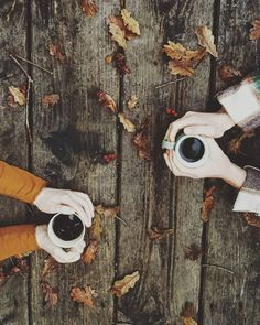 """Ben doesn't like coffee. Instead, """"share"""" a cup and have his hands over mine. Maybe sideview with a customized mug that says 5 years Autumn Day, Hello Autumn, Autumn Leaves, Late Autumn, Fallen Leaves, Look 80s, Fall Baby Clothes, Autumn Aesthetic, Autumn Photography"""