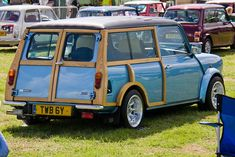 Proof that you don't need a big one to be happy. Mini Clubman, Mini Countryman, Classic Mini, Vans Classic, Retro Cars, Range Rover, Old Cars, Hot Wheels, Mini Stuff