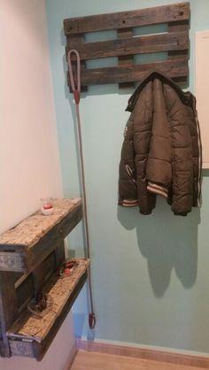 1 palet = un recibidor + un perchero para la entrada de casa.