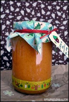 Ma recette de confiture de Noël : kaki, orange et cannelle... A déguster et à partager ! Fruit Recipes, Recipies, Gourmet Gifts, Cookie Jars, Xmas, Christmas, Jelly, Food And Drink, Cooking