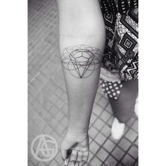 #tattoohungary #hungarytattoo #budapesttattoo #ink #inkedup #inkedgirls #mik #diamond #diamonds #geometry #geometric #geometrictattoo #line #linetattoo #linetattoos #art #artist #tattooartist #tattoo #tattoed #tattoos #ag #inkman