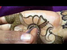 How you can apply peacock mehndi with the help of a old toothbrush Peacock Mehndi Designs, Mehndi Designs Book, Full Hand Mehndi Designs, Arabic Henna Designs, Mehndi Designs 2018, Mehndi Patterns, Wedding Mehndi Designs, Mehndi Design Pictures, Mehndi Images