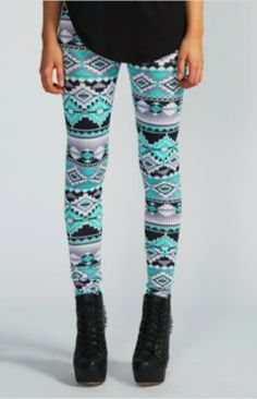 aztec print:Emerald/ teal, black, white and grey aztec inspired leggings paired with wedged laced up heels amd a loose singlet of top Teen Fashion, Love Fashion, Fashion Outfits, Womens Fashion, India Fashion, Asian Fashion, Aztec Print Leggings, Printed Leggings, Pattern Leggings