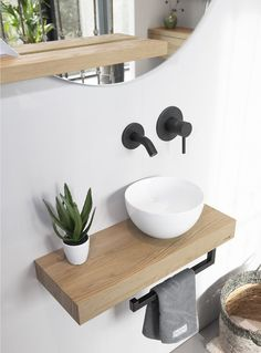 Toilet Room Decor, Small Toilet Room, Guest Toilet, Downstairs Toilet, Bathroom Design Luxury, Bathroom Design Small, Small Bathroom Sinks, Modern Bathroom, Small Toilet Design