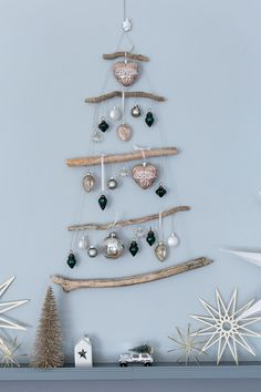 Christmas Crafts, Christmas Decorations, Xmas, Christmas Tree, Christmas Inspiration, Dream Catcher, Diy And Crafts, Crochet Earrings, Weave