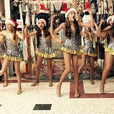 Look out for these gorgeous carollers at Burleigh Stocklands in there very cute @costumeglitz costumes 😻 keep spreading that Christmas joy girls 💃🏼⭐️❤️ @happyfeetinternational
