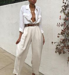 Vintage silk cream menswear style trousers Size 30 waist- looks amazing belted on smaller frame Look Fashion, 90s Fashion, Fashion Outfits, Womens Fashion, Couture Fashion, Runway Fashion, Fashion Ideas, Fashion Trends, Summer Outfits