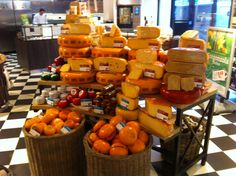 Dutch farmhouse cheeses in Amstelveen! #kaashuis #tromp