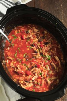 Slow Cooker Chicken Chili-Ultra-Easy Slow Cooker Chicken Chili - This is the easiest Slow Cooker Chicken Chili you will ever make. Dump it and let the slow cooker do the rest for you. Super flavorful and easy to make!