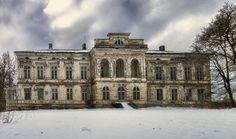 abandoned us mansions | Abandoned Mansion by Ilkka Porttikivi, via Flickr | Jilted Splendor