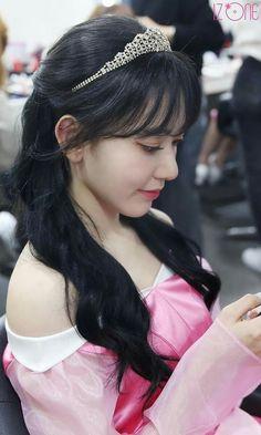South Korean Girls, Korean Girl Groups, Princess Music, Disney Princess, Sakura Miyawaki, Japanese Girl Group, Kim Min, Girl Crushes, Kpop Girls