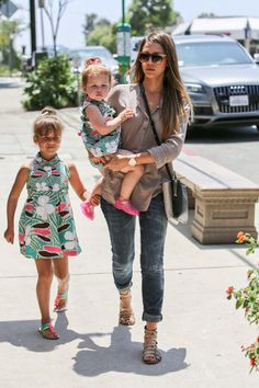 Jessica Alba dresses her girls in matching outfits in Brentwood – Part 2 – Gallery Photo 5 | Celebrity Baby Scoop