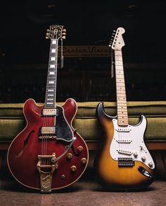 Guitar Books, Guitar Pics, Vintage Electric Guitars, Vintage Guitars, Vintage Les Paul, American Standard Stratocaster, Fender Telecaster, Gibson Guitars, Playing Guitar