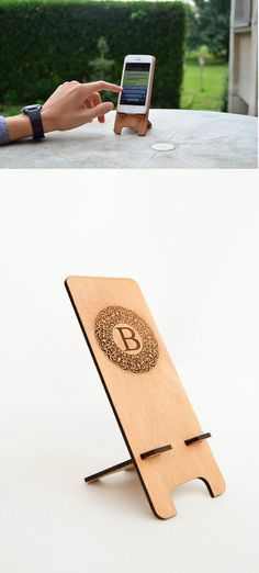 Personalized round initial iPhone Stand iPhone4 by MustHaveGift #iPhonedock #iphone stand