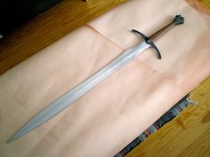 Anacrusis, the ancestral blade of the Lanean family