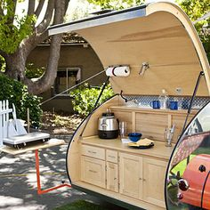Ah, the art of glamping. Combining chic ideas with the outdoors, glamping is a way to have fun and be comfortable. Not quite camping yet not quite a s. Glam Camping, Camping Glamping, Luxury Camping, Camping Hacks, Camping Cabins, Camping Style, Camping Recipes, Camping Outdoors, Camping Activities