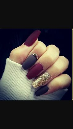 Imagine nails, black, and gold