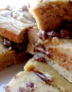 chick pea low cal blondies. My god, you have to check these out! CHOCOLATE CHIP BLONDIES 1 Tins of chick peas 1 banana 1 egg white 1 tbsp honey 1/4 cup sweetener 2 tbsp peanut butter Lotta chocolate chips 1 tsp baking powder 1 tsp vanilla extract