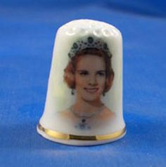 FINE CHINA THIMBLE - QUEEN ANNE-MARIE OF GREECE