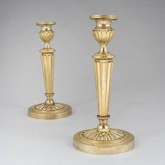 Par de candelabros Franceses Imperio do inicio do sec.19th em bronze e bronze gilded a ouro, 56cm de altura, 11,800 USD / 10,620 EUROS / 38,770 REAIS / 78,890 CHINESE YUAN