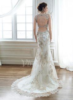 Etui-Linie Herzausschnitt Hof-schleppe Satin Tüll Brautkleid mit Perlen verziert Applikationen Spitze von Vbridal (175€)