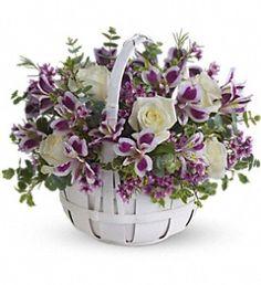 Sweet Moments in Metro New Orleans LA, Villere's Florist. http://www.villeresflowers.com/metairie-florist/easter-flowers-96c.asp?topnav=TopNav #Easter