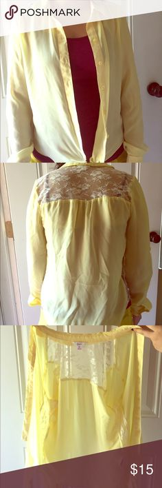 Yellow button up top💛💛💛 Xs yellow shirt cute for summer. Rarely worn there are a few threads but not noticeable they're on the inside of shirt Candie's Tops Button Down Shirts