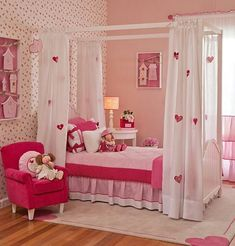 hemelbed maken voor de prinsessenkamer Girly Bedroom Decor, Cute Room Decor, Girl Bedroom Designs, Small Room Bedroom, Girls Bedroom, Bed Room, Hot Pink Bedrooms, Little Girl Bedrooms, Home Room Design
