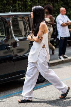 hello-fashionstuff:   hello-fashionstuff —>... A Fashion Tumblr full of Street Wear, Models, Trends & the lates