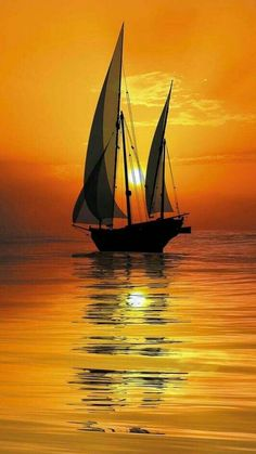 Wallpaper of boat & yacht sailing at ocean and sea Pictures To Paint, Nature Pictures, Boat Art, Ocean Sunset, Hawaiian Sunset, Beach Sunrise, Sunset Photography, Photography Tips, Wedding Photography