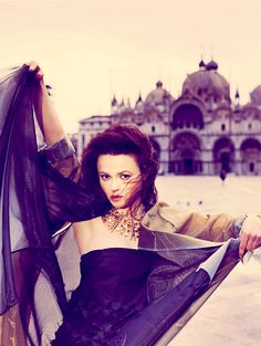 Helena:) - helena-bonham-carter Photo