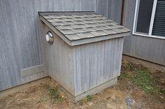 Outdoor litter box for indoor cats (broken link) Animal Room, Animal House, Cat Litter Box Enclosure, Hidden Litter Boxes, Cat Run, Cat Hacks, Outdoor Cats, Cat Furniture, Diy Stuffed Animals
