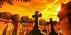 Der #Friedhof #Pere-#Lachaise bei #Sonnenuntergang © shutterstock