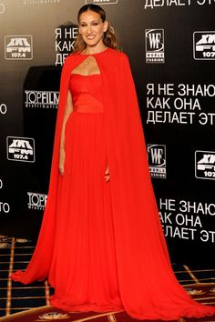 """Sarah Jessica Parker in Giambattista Valli Haute Couture (2011 Moscow premiere of """"I Don't Know How She Does It"""")"""