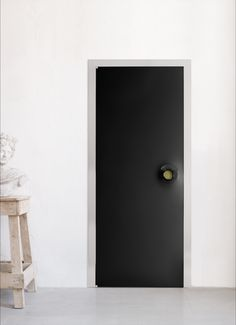 "Uși batante ALBED Milano 1964 Model ""RING"" design Karim Rashid Traditional Doors, Albedo, Ring Designs, Tall Cabinet Storage, Door Handles, Karim Rashid, Frame, Cornice, Furniture"