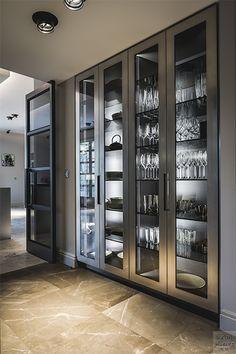 Kitchen Pantry Design, Luxury Kitchen Design, Luxury Kitchens, Home Decor Kitchen, Interior Design Kitchen, Tuscan Kitchens, Home Interior, Interior Styling, Modern Kitchen Interiors