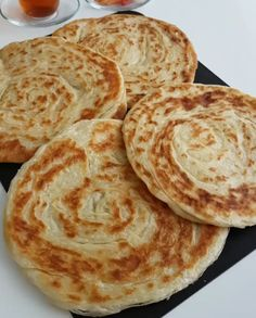 Easy Crepe Recipe, Crepe Recipes, Turkish Recipes, Ethnic Recipes, Delicious Desserts, Yummy Food, Breakfast Items, Food And Drink, Meals