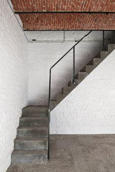 Coach House by Hans Verstuyft Architecten. #staircase #industrial