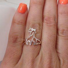 Hugging Giraffe ring is made out of Sterling Silver and stamped Giraffe Decor, Giraffe Art, Cute Giraffe, Giraffe Painting, Giraffe Ring, Giraffe Jewelry, Giraffe Clothes, Giraffe Pictures, Girls Best Friend