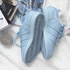 Adidas supercolor | clear sky