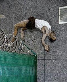 """"""" Ma liberté, c'est toi qui m'a aidé à larguer les amarres..."""" ( Serge Reggiani ) / Street art."""