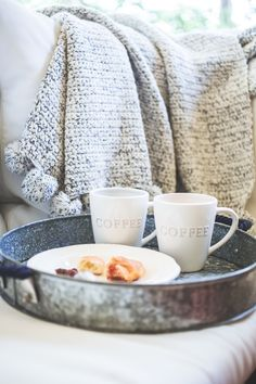 Weekend Luxuries: Lazy saturday and morning coffee- I'd to be presented breakfast in bed like this :)